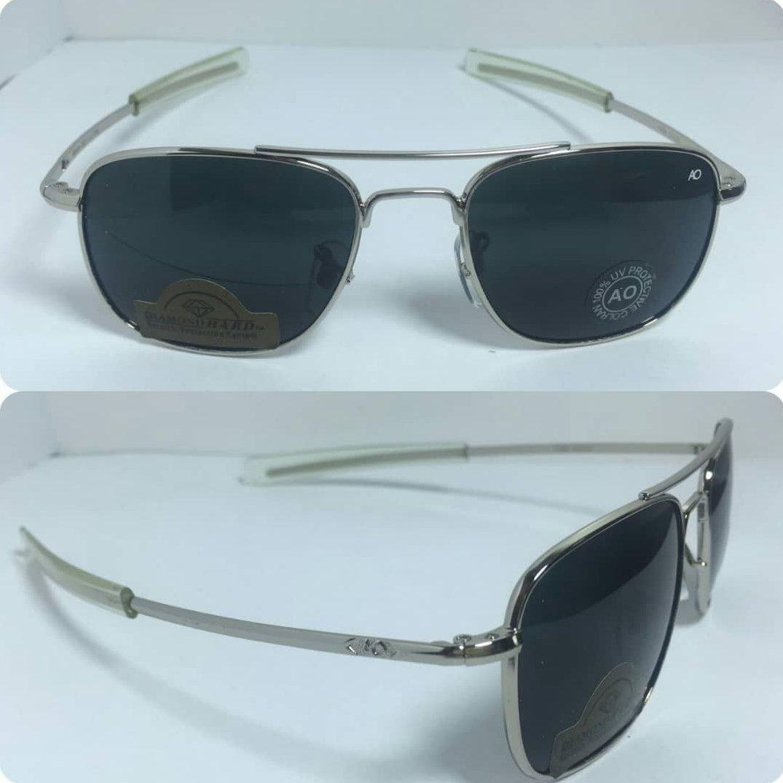 عینک آفتابی آمریکن اوپتیکال فرم نقره ای با پک کامل