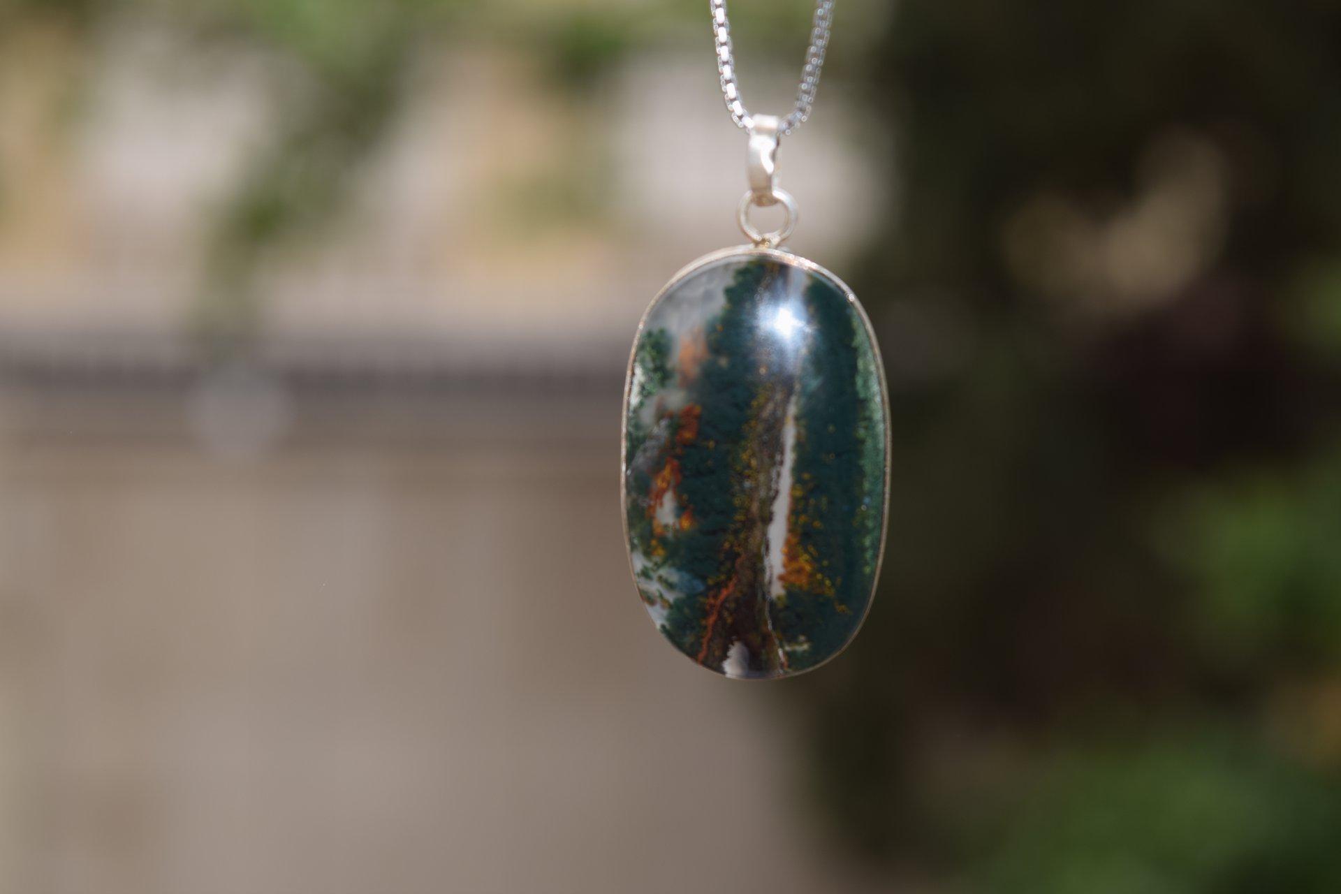 گردنبند نقره با سنگ عقیق شجر