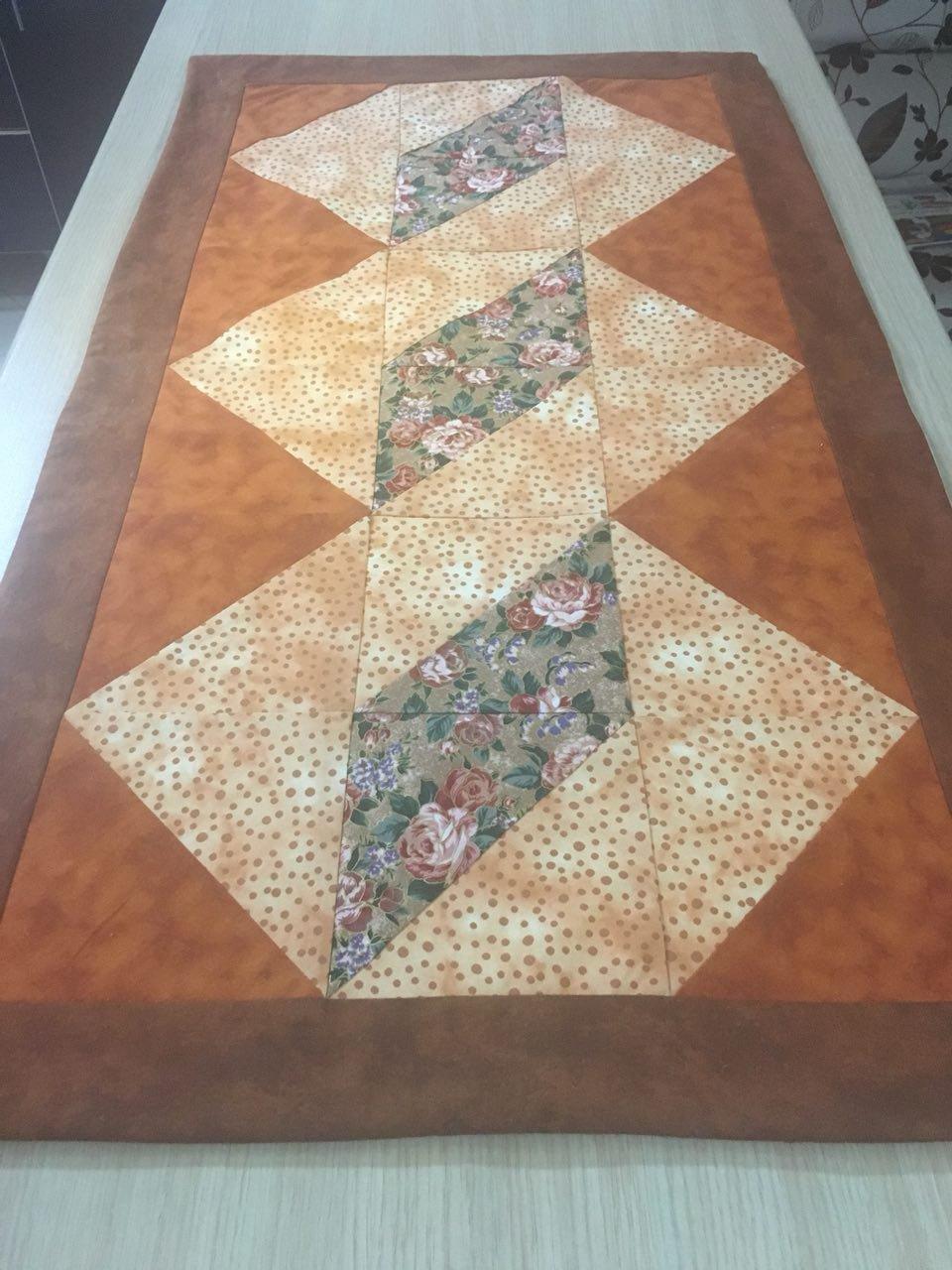 رومیزی رانر طرح مربع دو رنگ 88x49 سانتی متر