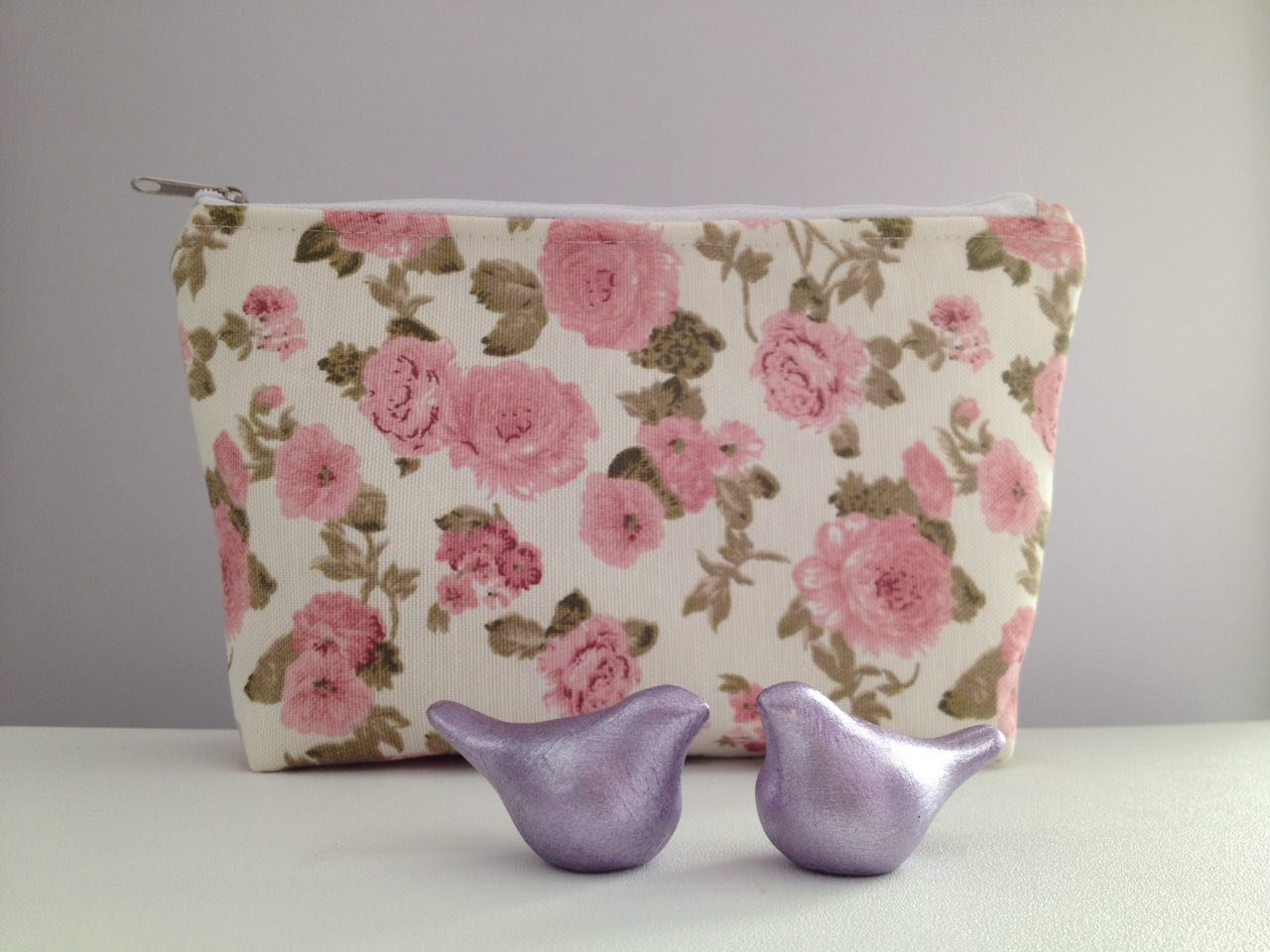 کیف لوازم آرایش آنام طرح گل صورتی