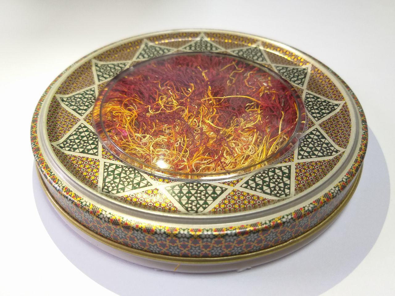 زعفران یک مثقالی دخترپیچ در بسته بندی فلزی