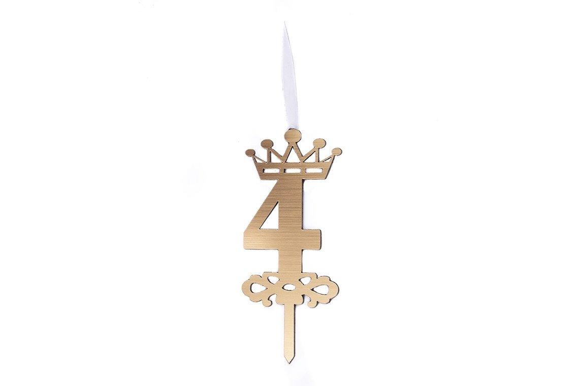 شمع شگفت انگیز عدد 4 تاجدار طلایی