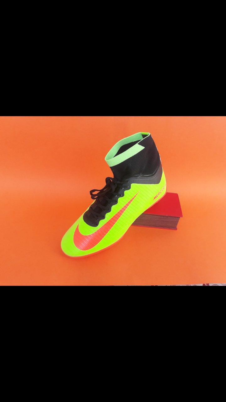 کفش چمن مصنوعی رنگ فسفری CR7