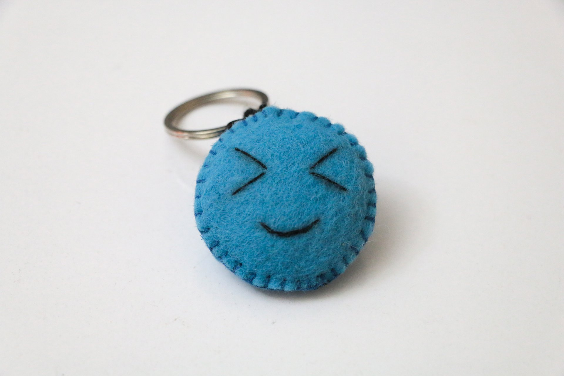 جاکلیدی نمدی طرح happy face