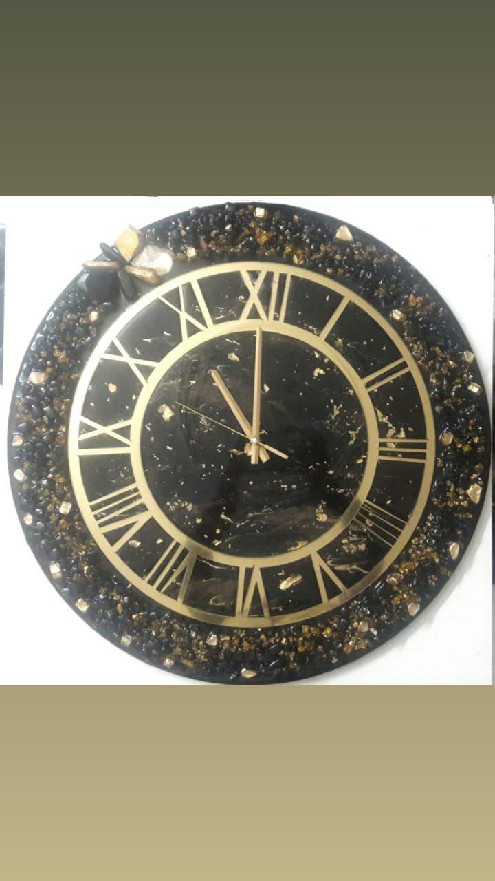 ساعت رزین مشکی طلایی دستساز