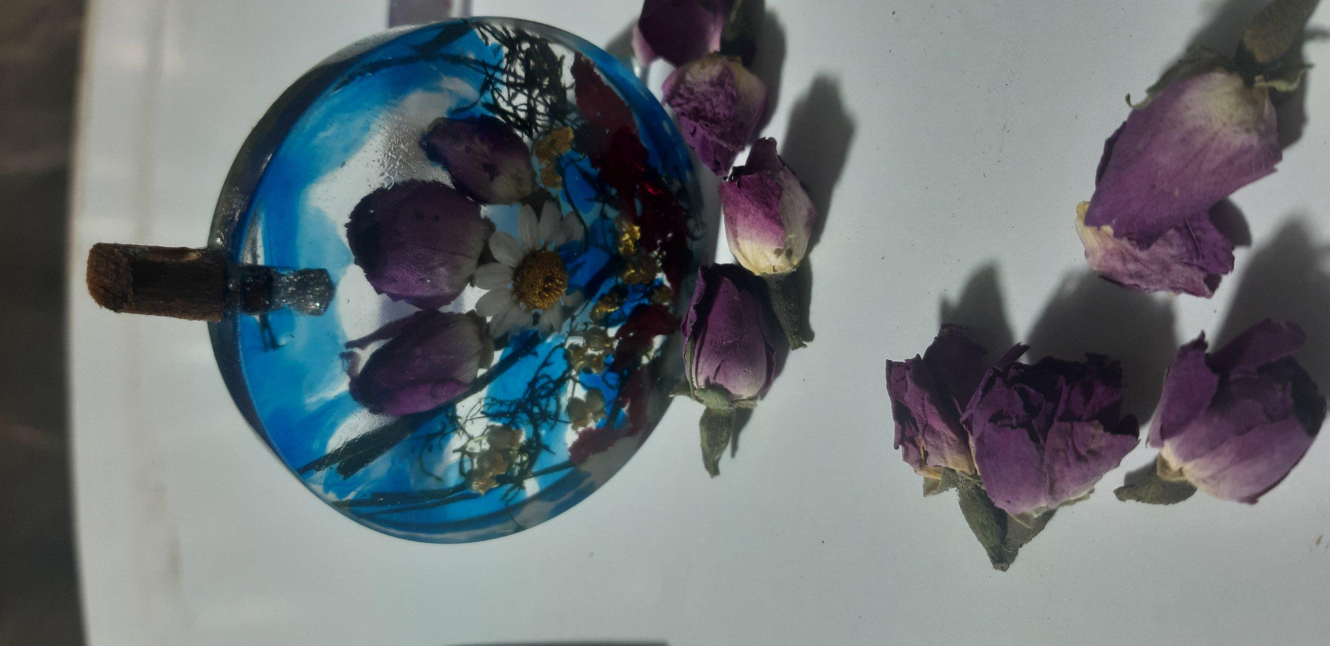 گردنبند رزینی طرح گل محمدی