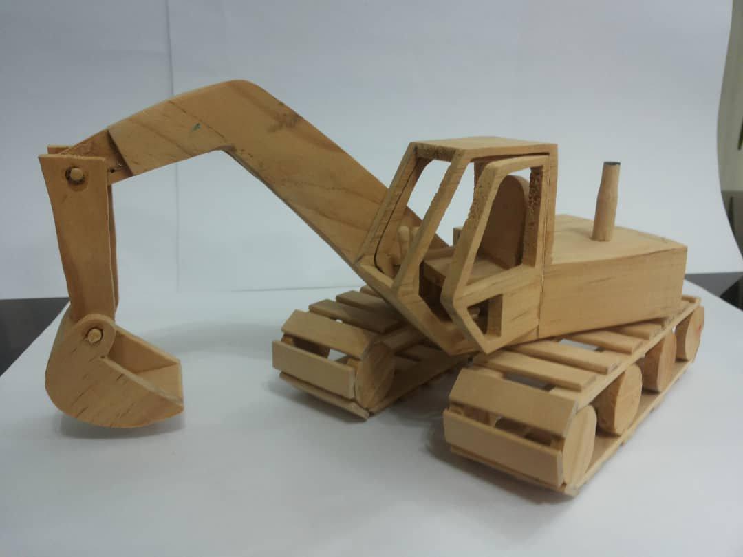 ماکت چوبی بیل مکانیکی