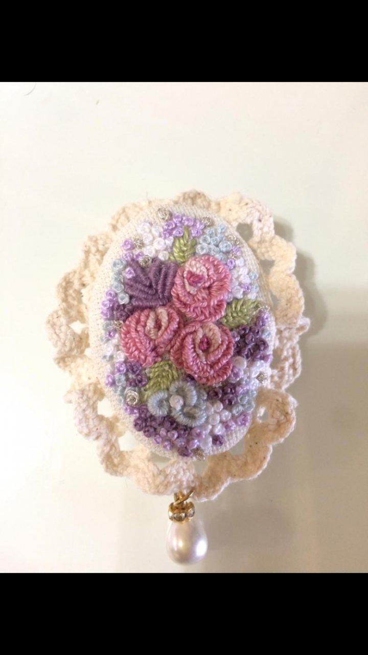 گل سينه گلدوزي برزيلی
