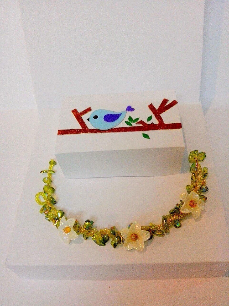 دستبند مهره و گل