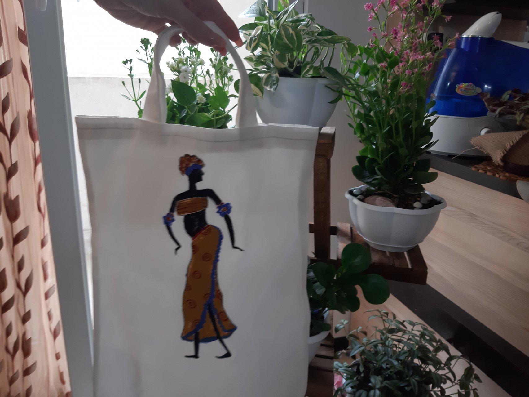 کیف پارچه ای نقاشی شده طرح افریقایی