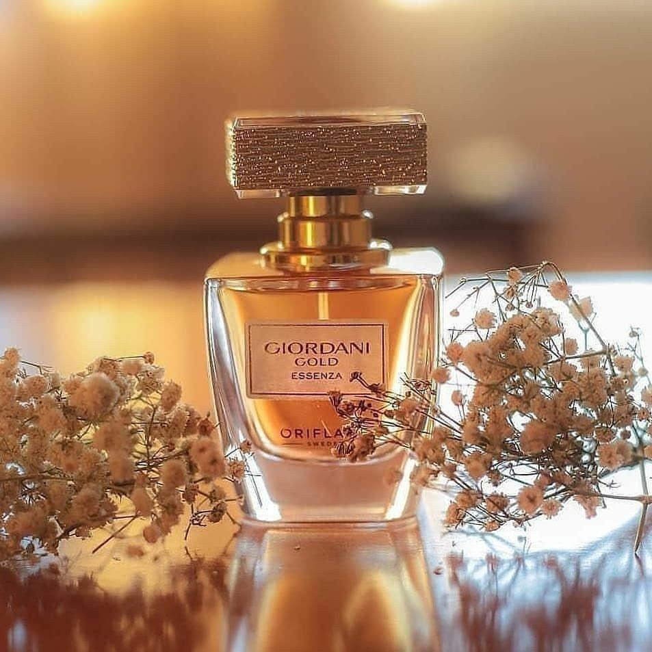 پرفیوم زنانه جوردانی گلد اسنزا 50 میل اورفلیم Giordani Gold Essenza Parfum