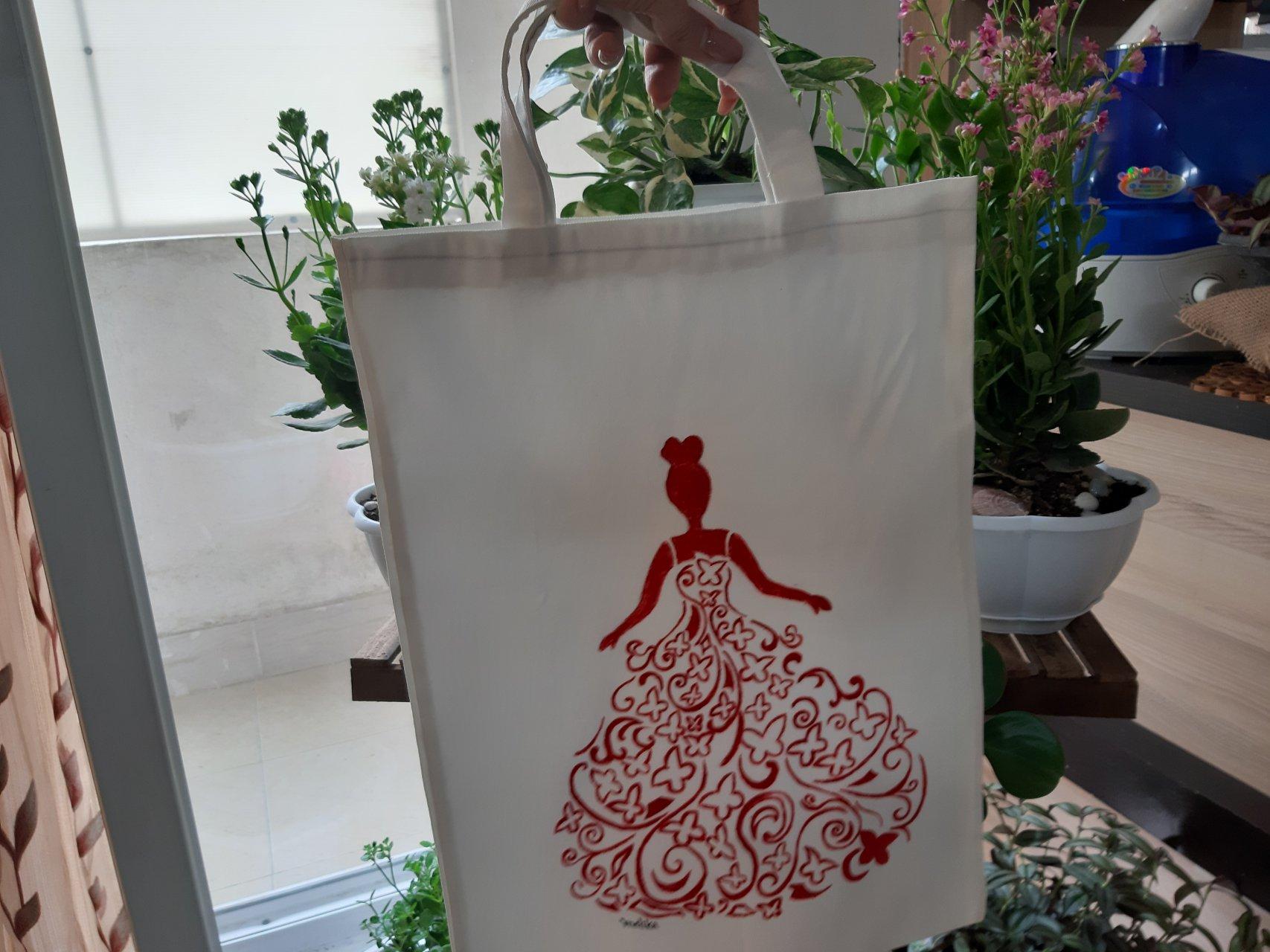 کیف دستی نقاشی شده طرح عروس سرخ