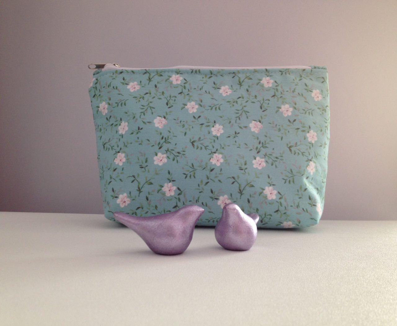 کیف لوازم آرایش آنام طرح شکوفه سبز
