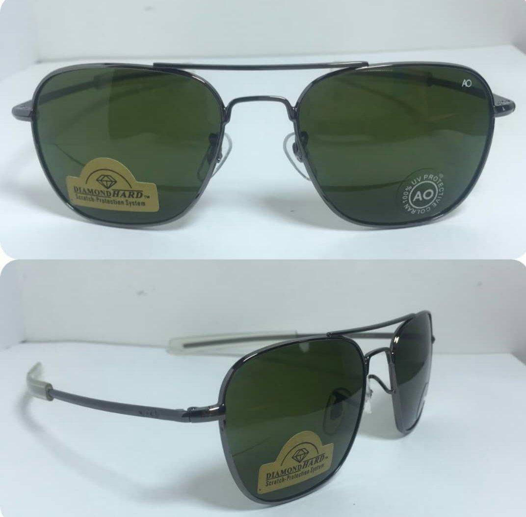 عینک آفتابی آمریکن اوپتیکال فرم مشکی با پک کامل
