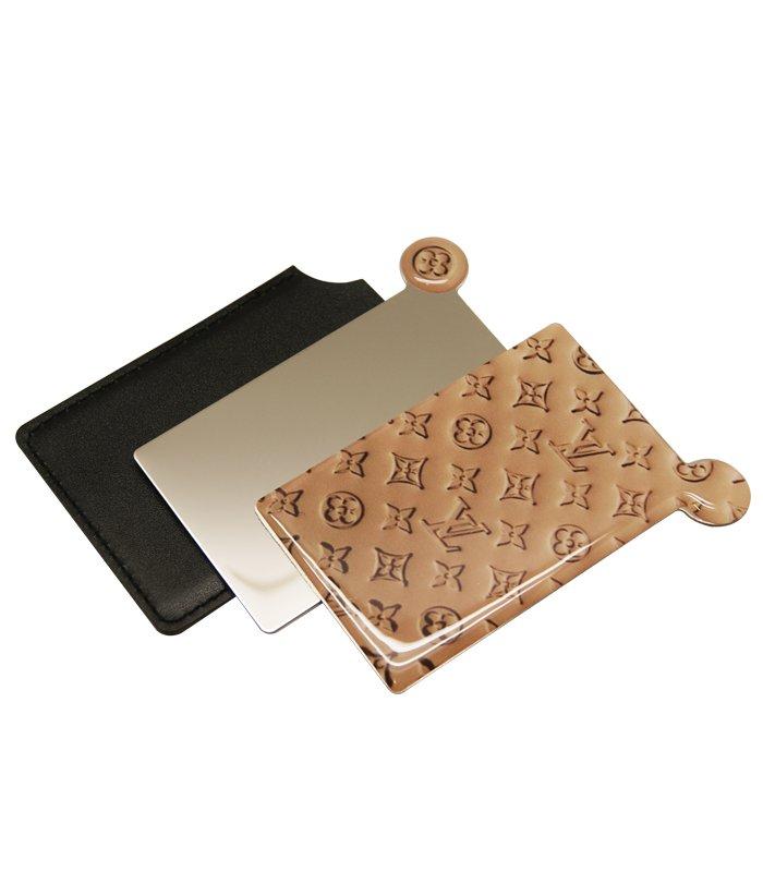 آینه نشکن لوکس به همراه کیف چرمی طرح LV