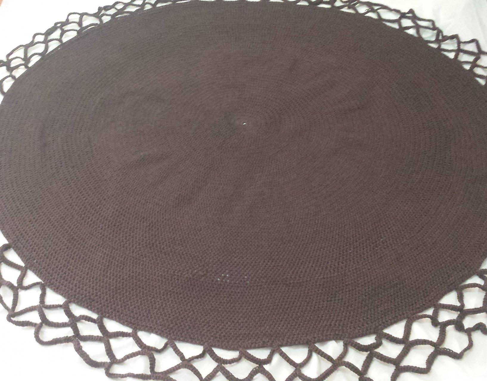 فرش دستباف طرح دایره با حاشیه دور