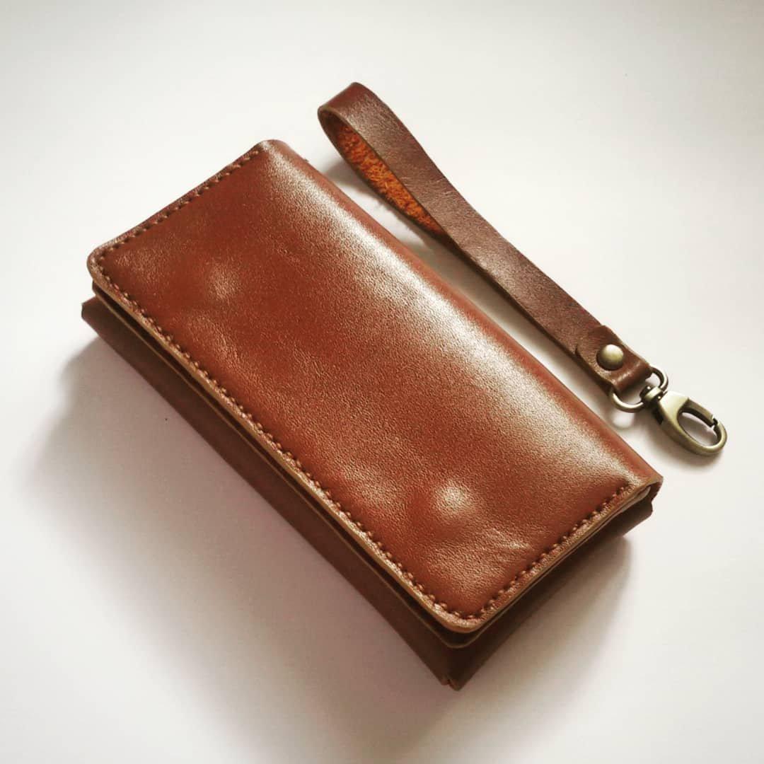 کیف چرمی موبایل دست دوز