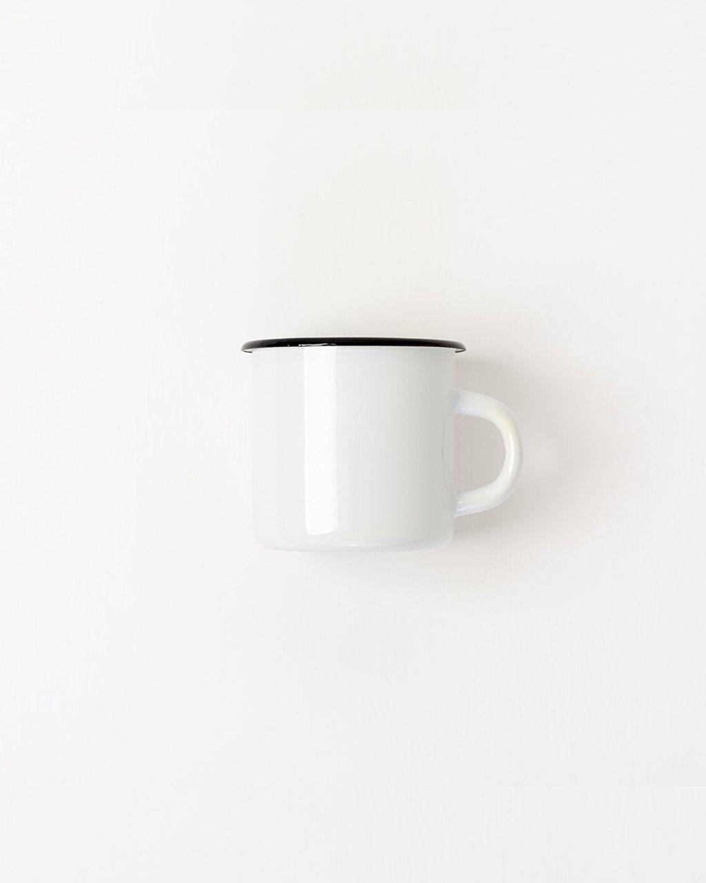 فنجان قهوه سفید ساده