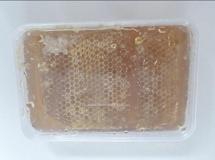 عسل جعبه ای موم دار