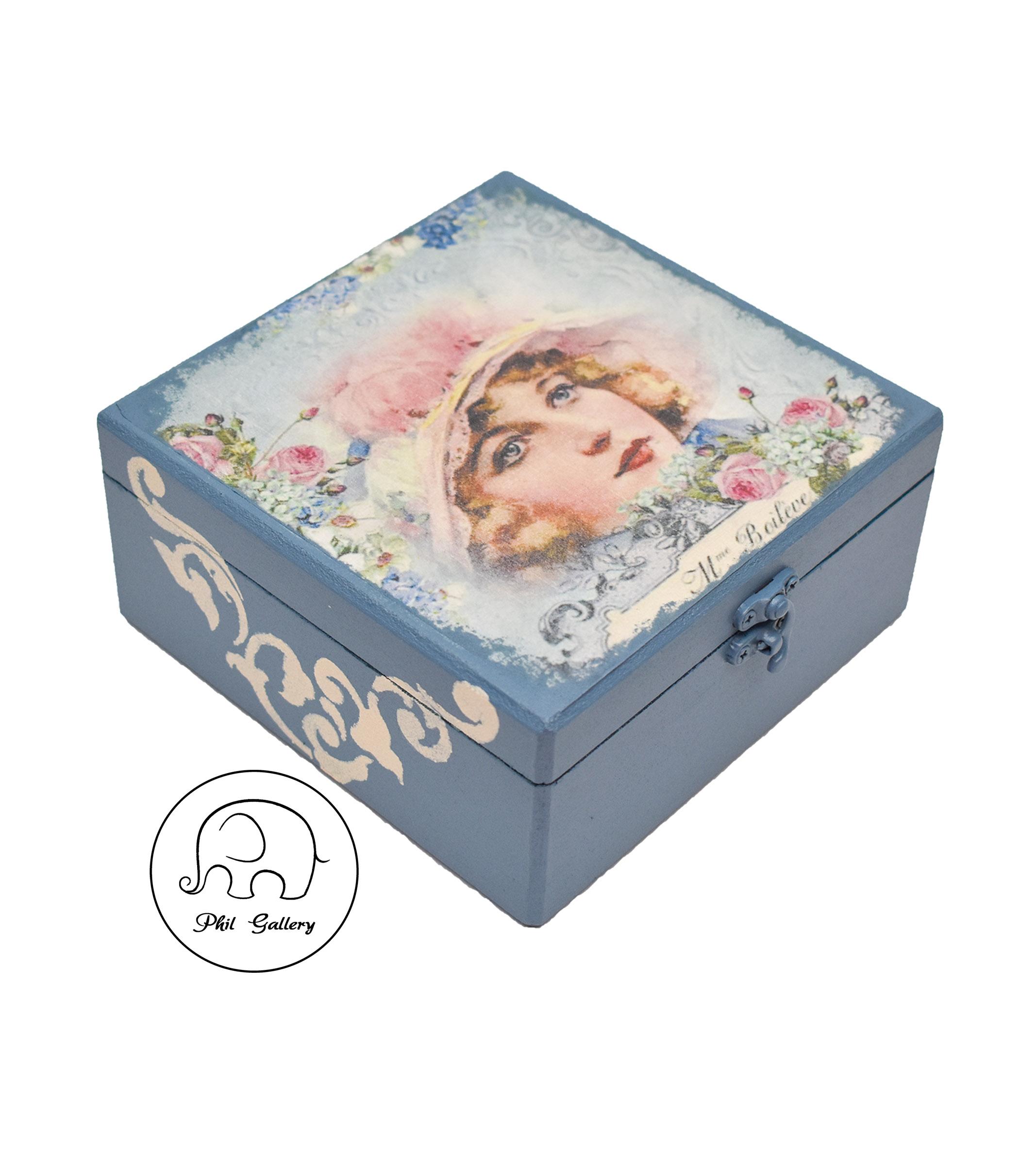 جعبه چوبی دکوپاژ شده آبی و سورمه ای با طرح بانوی اروپایی