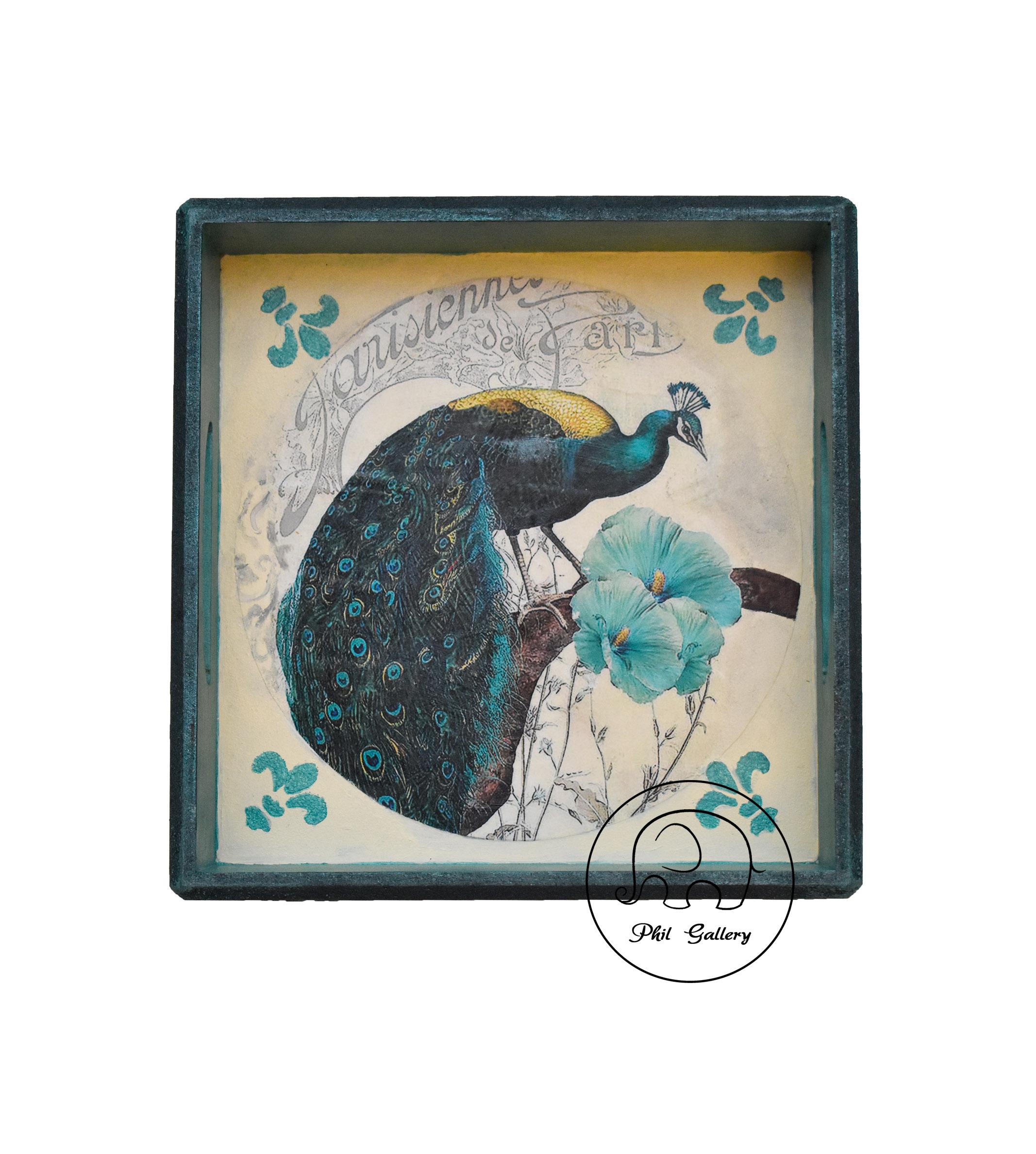 سينی چوبی دکوراتيو سبزآبی با نقوش برجسته و طرح طاووس
